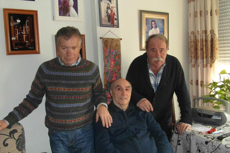 El autor, Cecilio Vierge e Ignacio Usechi con Ciriaco.
